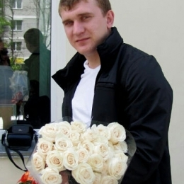 Пара ищет постоянную девушку для секса в Перми. С нас подарки