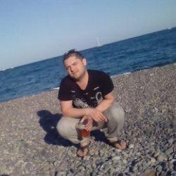 Спортивный парень ищет отличный секс с девушкой в Перми